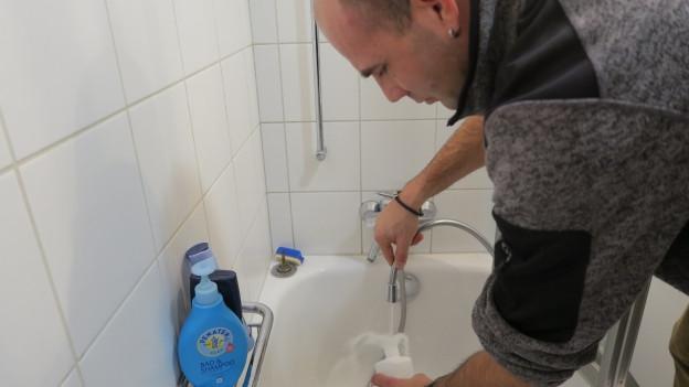 Zu den wichtigsten Infektionsquellen gehörten in der jüngeren Vergangenheit Duschen, Zerstäuber, Whirlpools, lüftungstechnische Anlagen und Kühltürme.