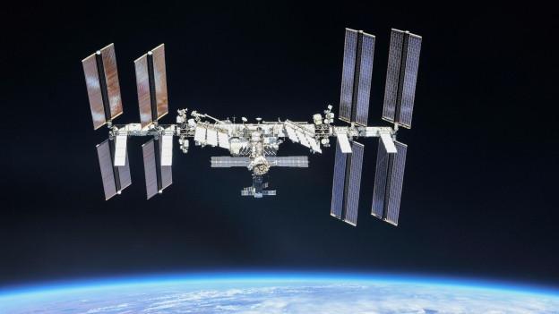 Funkkontakt mit der ISS-Besatzung weit oben im All.