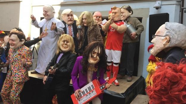 Viel «Prominenz» am Theater der Maskenliebhaber-Gesellschaft.