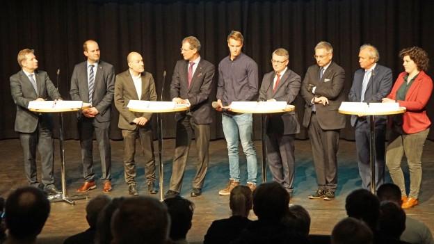 Die Kandidierenden für die Luzerner Regierung auf der Bühne