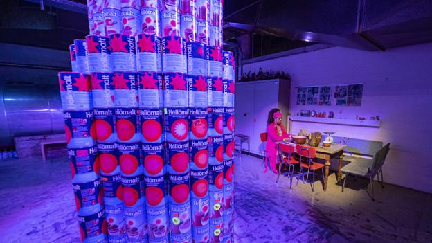 Auf fünf Stockwerken ist eine Art lebendige Ausstellung zu sehen.