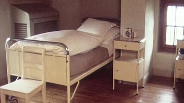Blick in ein früheres Zimmer der psychiatrischen Klinik St. Urban.