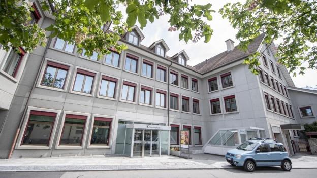 Der aktuelle Hauptsitz der Urner Kantonalbank in Altdorf. 2022 soll ein Neubau eingeweiht werden.