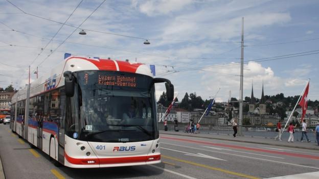 Die VBL setzen in Zukunft auf längere Trolley-Busse.