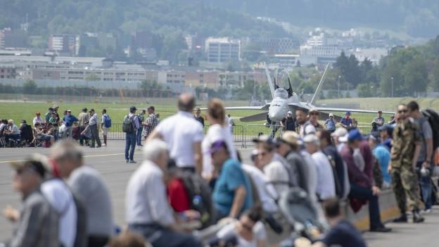 Der Militärflugplatz öffnet zwei Tage seine Türen. 40'000 Flugfans werden zum Jubiläumsfest erwartet.
