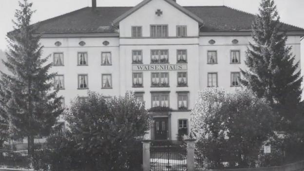 Historischer Anblick auf das ehemalige Waisenhaus