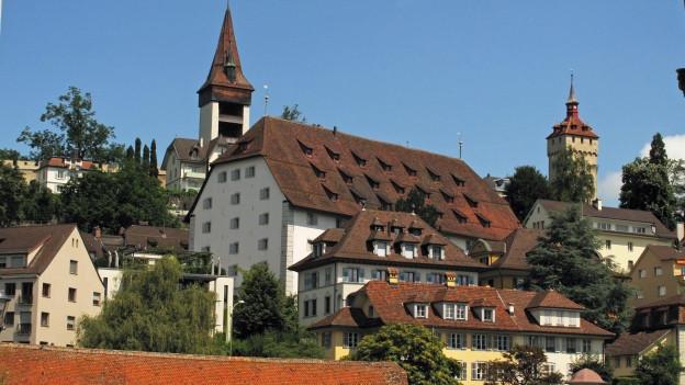 Das alte Zeughaus auf dem Musegghügel in der Stadt Luzern könnte in Zukunft ein Museum sein.