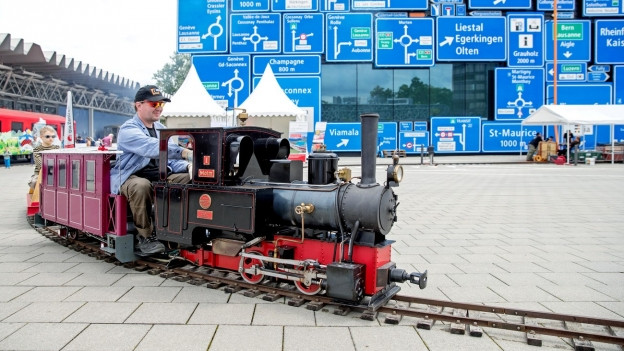 Mini-Zug vor Verkehrshaus