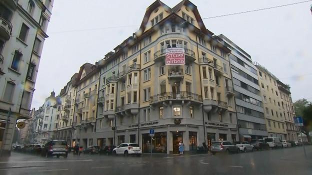 In der Stadt Luzern nimmt die Umnutzung von Wohnungen für Airbnb-Vermietungen zu.