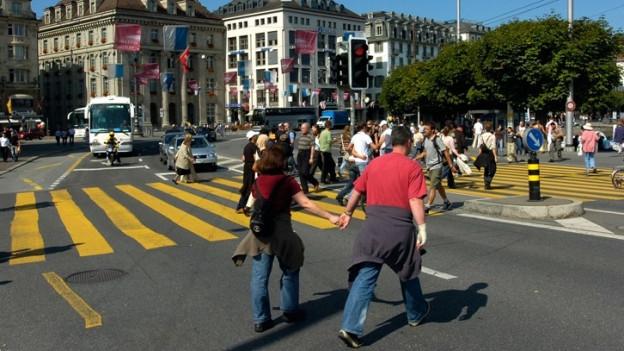 Unter anderem auf dem Schwanenplatz werden die Fussgänger gezählt.