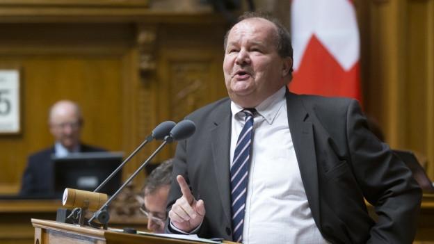 Felix Müri am Mikrofon