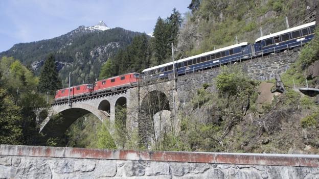 Die Bahn-Bergstecke am Gotthard.