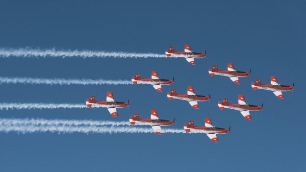 Das PC-7 Team der Luftwaffe in Aktion.