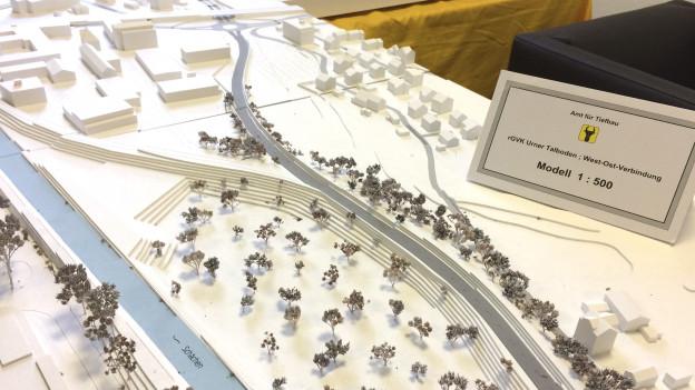 Modell der West-Ost-Verbindung auf dem Urner Talboden.