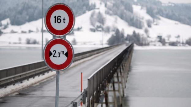 Die SBB saniert den Viadukt Willerzell über den Sihlsee.