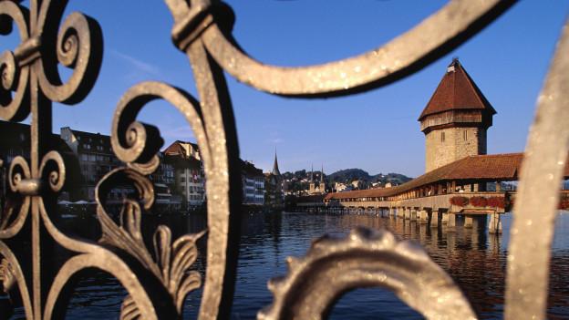 Blick auf die Kapellbrücke in Luzern.