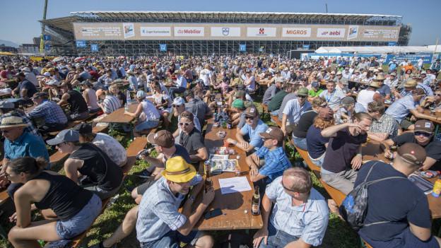 Besucherschar am Schwing- und Älplerfest ESAF 2019 in Zug