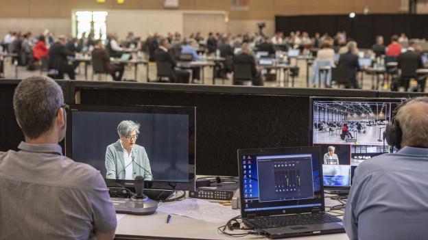 Kantonsratssitzung in der Luzerner Messehalle.