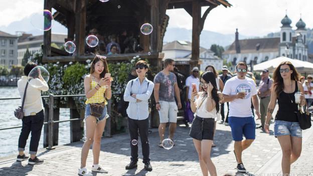 Ob und wann die ausländischen Touristen wieder nach Luzern kommen scheint sehr ungewiss.