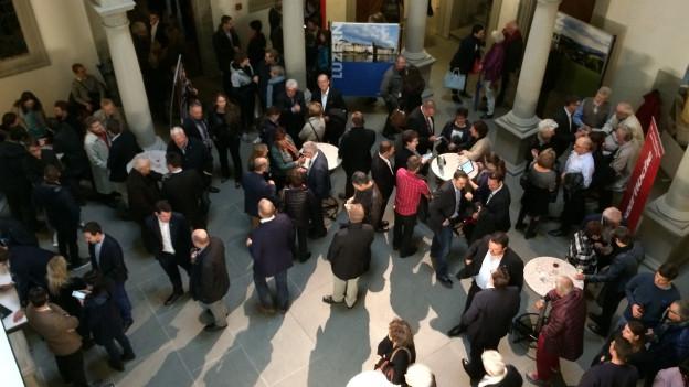 Mit Spannung werden im Luzerner Regierungsgebäude die Resultate erwartet