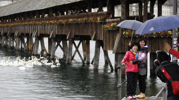 Dauerregen in weiten Teilen der Schweiz: die Gefahr von Überschwemmungen steigt