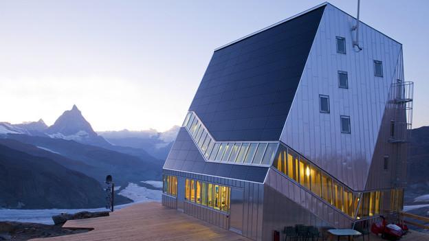 Nur zum Teil ökologisch: die SAC-Monte-Rosa-Hütte bei Zermatt