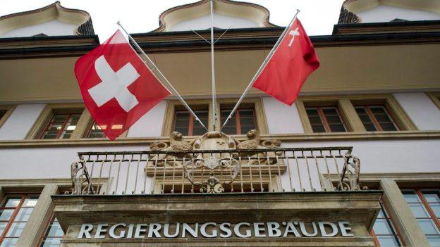 Reiche sollen im Steuerparadies Schwyz mehr bezahlen: Blick auf das Regierungsgebäude.