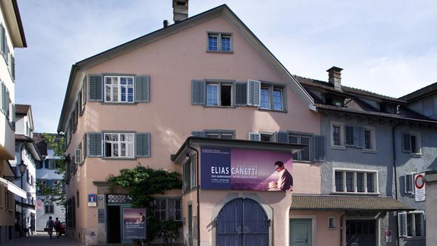 Literaturwerkstatt für Jugendliche, statt Literaturmuseum: der Strauhof in der Zürcher Altstadt (in einer Aufnahme von 2005)
