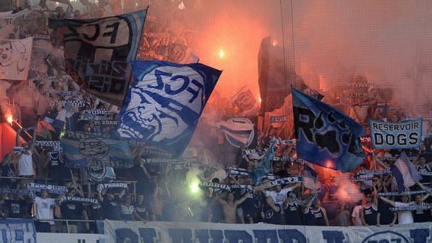 FCZ-Fans im St. Jakob-Park - bei diesem Match kamen «nur» Pyros zum Einsatz