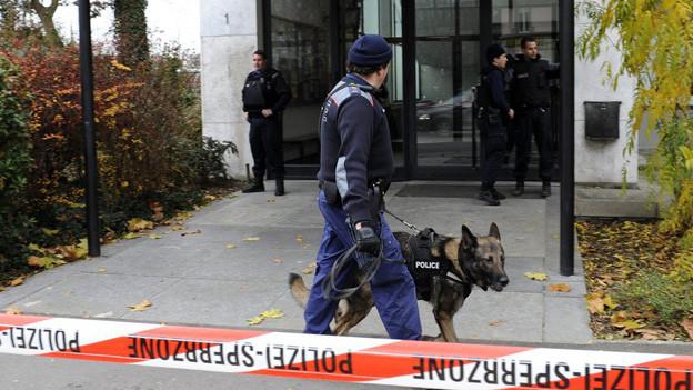 Polizeieinsatz im November 2008: Alarm bei der Berufsschule Bern.