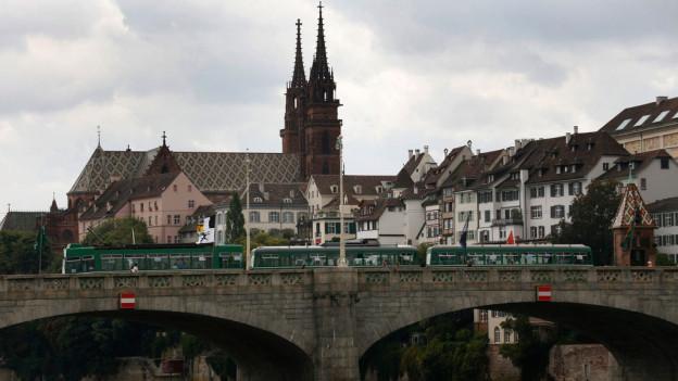 Die Mittlere Brücke in Basel: bald ist sie autofrei - wie auch die ganze Innenstadt.