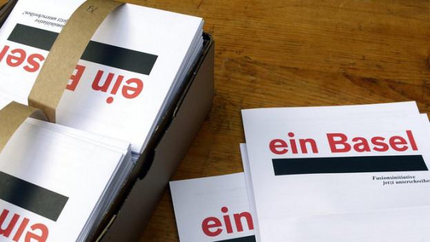 Unterschriftenbögen für die Fusionsinitative