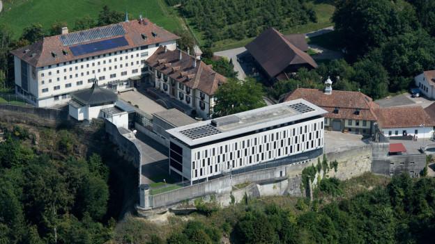 Luftaufnahme der Berner Strafanstalt Thorberg