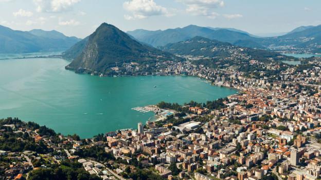 Luftaufnahme der Stadt Lugano