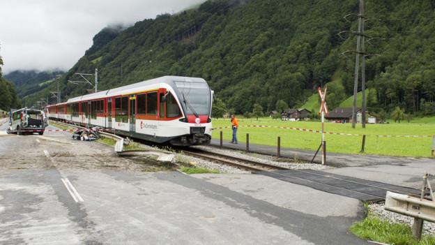Der ungesicherte Bahnübergang in Wolfenschiessen/NW, der im August drei Israelis zum Verhängnis wurde.