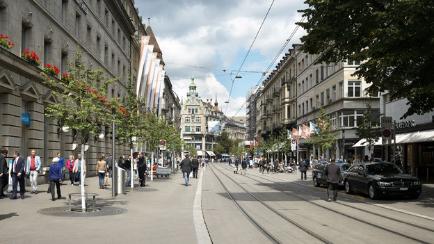 Die Zürcher Bahnhofstrasse wurde saniert und neu gestaltet.
