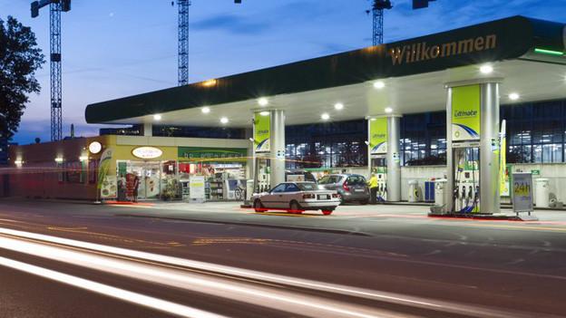 Deutlich weniger Kunden: harte Zeiten für die Tankstellen-Besitzer an der schweizerisch-deutschen Grenze.