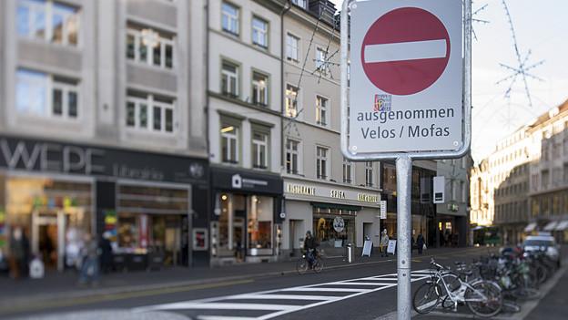 Mehr Platz für Fussgänger und Velos in Basels Innenstadt.
