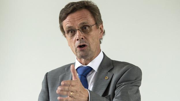 Hans-Jürg Käser: der Berner Polizeidirektor pocht nun auf solidarische Haltung der Gemeinden in Asylfragen.