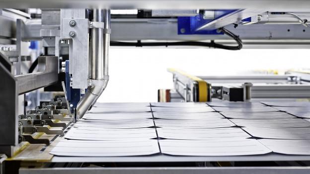 Maschine verlötet Solarmodule
