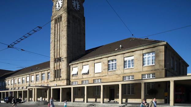 Mehr Flüchtlinge reisen über Basel in die Schweiz.