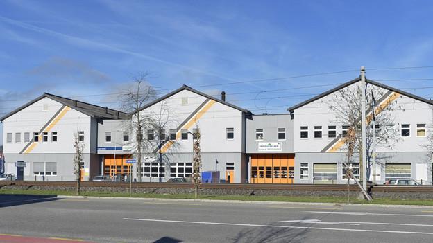 Die An'Nur-Moschee (Haus in der Mitte) wird oft mit der Radikalisierung von Jugendlichen in Verbindung gebracht.
