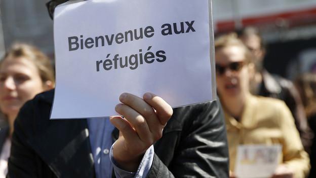 Flüchtlinge willkommen - auf einem Plakat anlässlich einer Demonstration letzten Herbst in Bern.