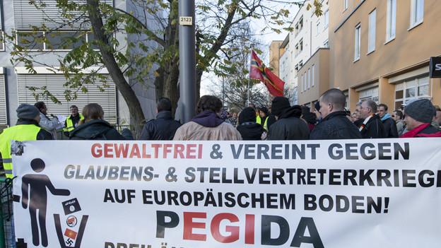 War auch für Basel geplant: eine Pegida-Demonstration wie letzten November in Weil am Rhein/DE.