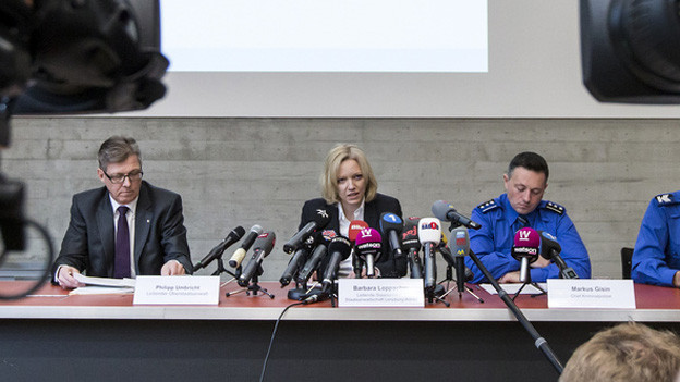 Sie informierten über den Zwischenstand der Ermittlungen (v.l.): Philipp Umbricht (Leitender Oberstaatsanwalt), Barbara Loppacher (Leitende Staatsanwältin) und Markus Gisin (Chef Kriminalpolizei).