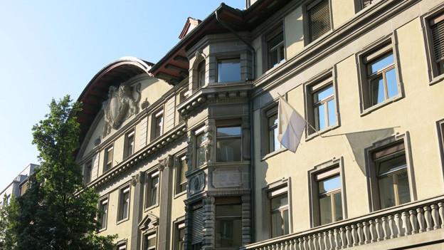 Trotz 20 Millionen Überschuss 2015 hält die Luzerner Stadtregierung am Sparbudget 2016 fest.