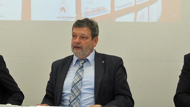 Der Solothurner Finanzdirektor präsentiert ein Minus von 1,2 Milliarden Franken.