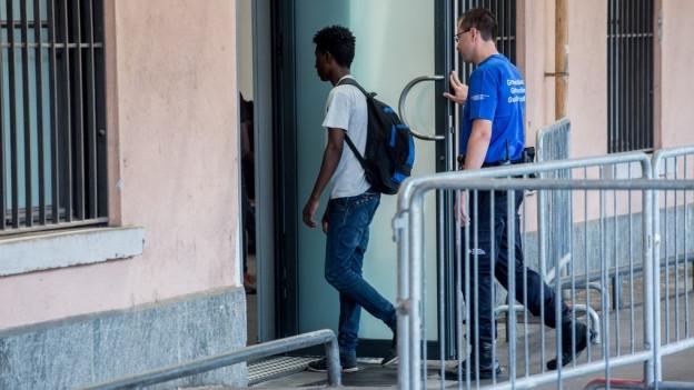 Immer mehr Flüchtlinge werden im Tessin aufgegriffen und zurückgeschickt