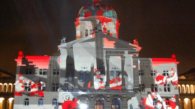 150 Jahre Schweizerisches Rotes Kreuz - das Jubiläum ist Thema von Rendez-vous Bundesplatz 2016.