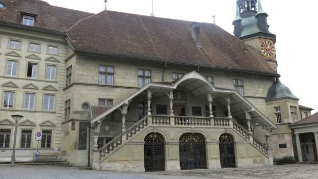 Die Schulleiterin möchte ihren Sitz im Freiburger Rathaus einnehmen.